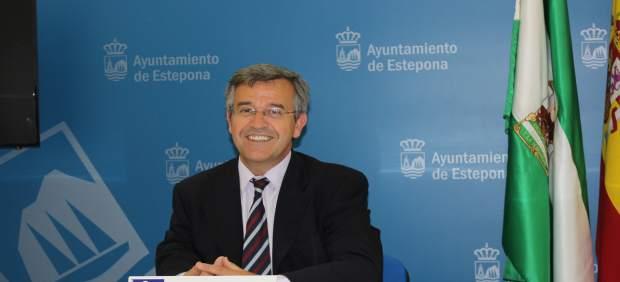 El alcalde de Estepona, José María García Urbano