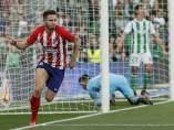 El Atlético de Madrid derrota al Betis en el Villamarín con la ley del mínimo esfuerzo