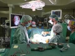 Miles de pacientes esperan menos para operarse en Madrid que hace dos años