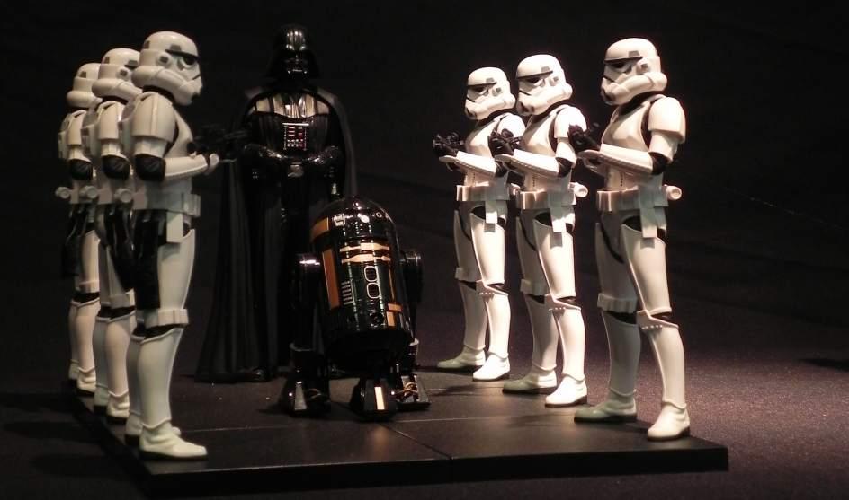 Dos muestras sobre el universo Star Wars dan la bienvenida en Madrid a 'Los últimos Jedi'