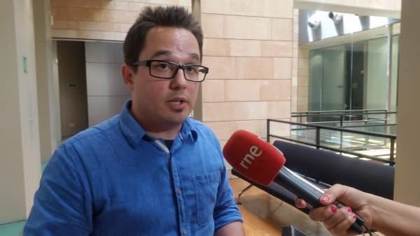 El diputado de Podemos, Carlos Saura