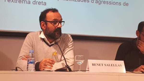 El exdiputado de la CUP en el Parlament, Benet Salellas, durante la presentación del informe.
