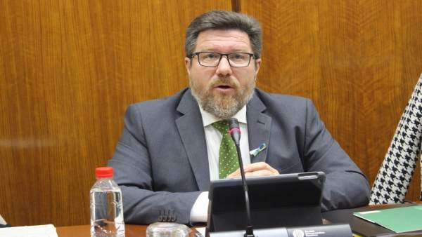 El consejero de Agricultura, Rodrigo Sánchez Haro, en comisión parlamentaria