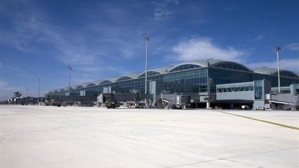 Els aeroports valencians reben 1,3 milions de passatgers al novembre