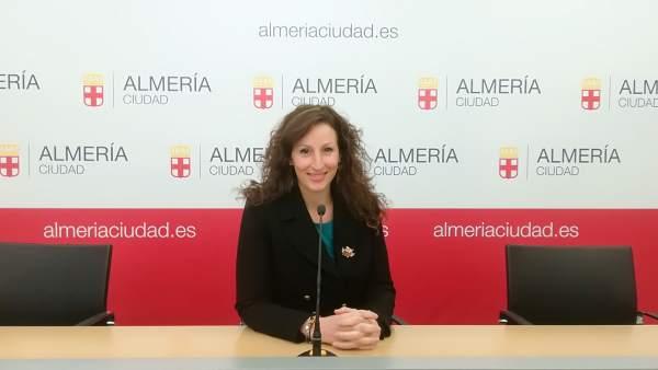 Notas Ayto. Almería (1) Campaña Reparto Material Escolar La Caixa / María Vázque