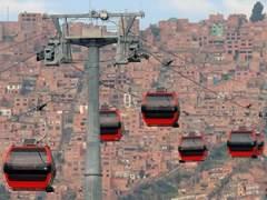 Un fallo en un teleférico de Bolivia deja colgados a 200 pasajeros