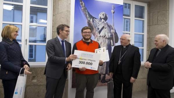 Entrega del certificado al peregrino 300.000
