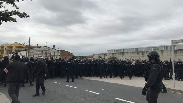 Guardia Civil en Sant Julià de Ramis este 1-O