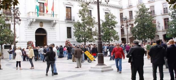 El PSOE exige explicaciones sobre supuestas contrataciones de cargos afines al PP en Emucesa