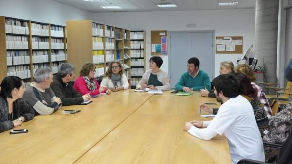 Ana Pontón con la junta de personal del Hospital do Salnés