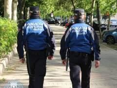 Detenido por agredir a su pareja y lanzar patadas y mordiscos a los agentes en plena calle