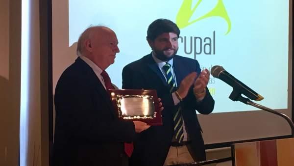 El premiado en la gala de Agrupal