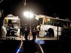 Al menos cinco menores mueren al chocar un tren y un autobús escolar en Francia