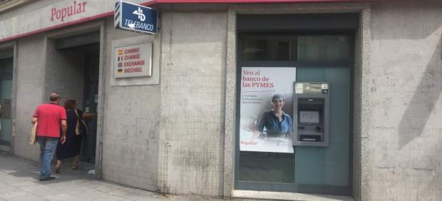 Una sentencia obliga al Banco Popular a devolver 55.000 euros a unos jubilados por venderles deuda subordinada