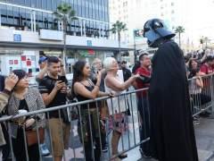 La Policía interviene en un estreno de 'Star Wars' para calmar a fans indignados con fallos técnicos