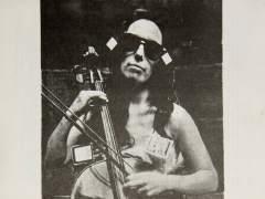 Una muestra recupera la visita de Charlotte Moorman a Madrid en 1975