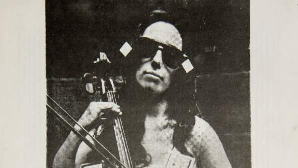 Cartel que anunció en 1975 la actuación de Charlotte Moorman