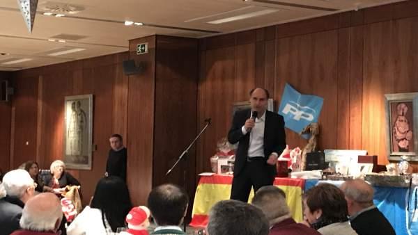 Ignacio Diego interviene en la comida de amigos del PP en el hotel Santemar