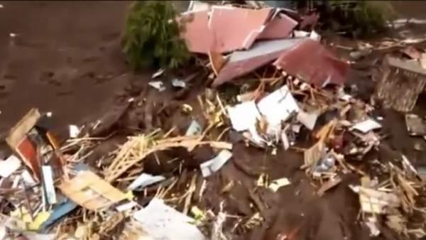 Un deslizamiento de tierra sepulta una aldea al sur de Chile