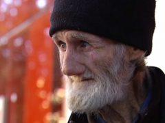 Indigente de 71 años