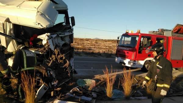 Imagen del accidente emtre dos camiones
