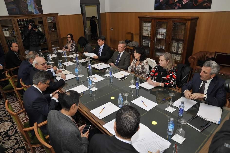 Xunta y fiscal a abordan la situaci n de las oficinas de for Oficina xunta de galicia