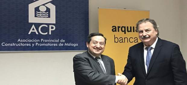 Acuerdo Arquia Banca y Asociación de Constructores