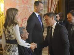 Felipe VI y Letizia reciben a José Mota antes de su tradicional imitación del rey