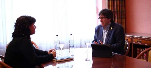 Momento de la entrevista al candidato de JxCAT, Carles Puigdemont.
