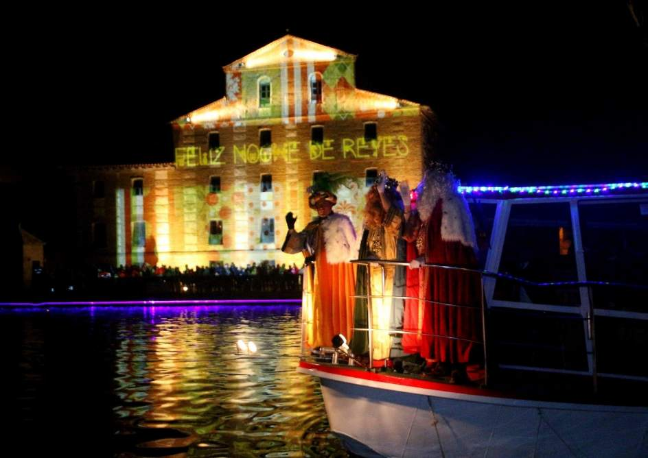El ayuntamiento de rioseco valladolid recoge este for Pisos en medina de rioseco