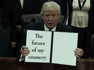 Trump firmando decretos