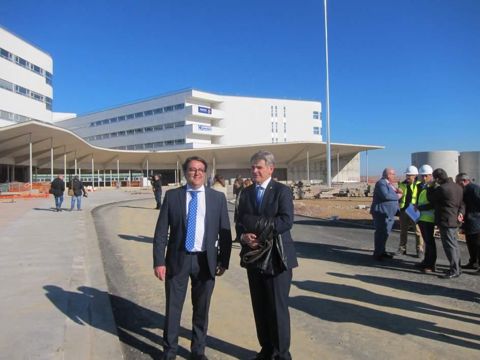 La apertura del nuevo hospital de c ceres se mantiene para for Pisos nuevos en caceres