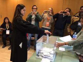 La joven a la que a 'delegado' su voto Puigdemont