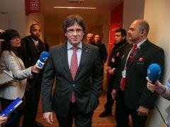 Puigdemont llega al aeropuerto de Charleroi para volar con destino a Copenhague