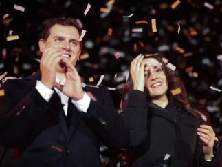 Albert Rivera e Inés Arrimadas celebran el resultado de las elecciones de este jueves.