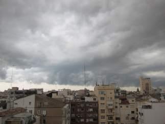 Tormenta, lluvia y nubes en València