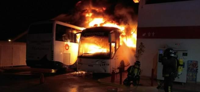 Autobús incendiado en Lorca