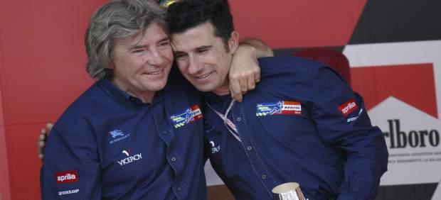 Angel Nieto abrazando a Jorge Martínez Aspar