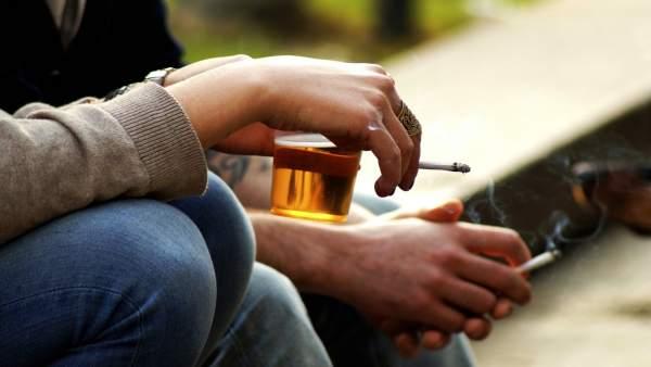 Menys casos d'alcoholèmia, però encara és la major addicció