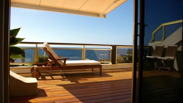 Terraza de apartamento en primera línea de la Playa de las Canteras