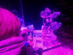 Exposición de personajes de Disney en hielo