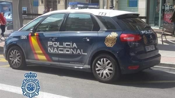 Coche de la Policía Nacional en Granada