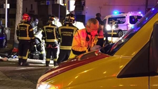Efectivos de emergencias en el lugar del accidente