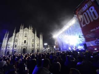 Celebración del Año Nuevo en la plaza del Duomo, en Milán
