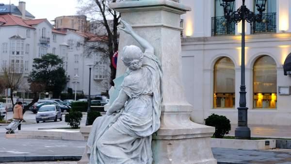 Monumento a Augusto González Linares restaurado