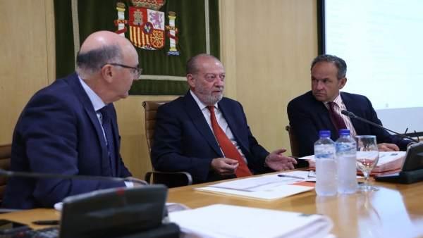 Fernando Rodríguez Villalobos, en el pleno de la Diputación de Sevilla