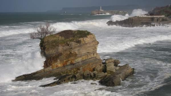 Temporal Santander. Olas. Oleaje. Mar. Marea. Cantábrico.