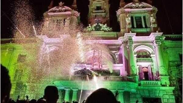 Fiesta de Nochevieja en la Plaza del Ayuntamiento de València. Archivo