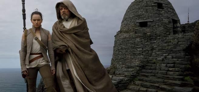 Daisy Ridley y Mark Hamill en 'Star Wars: Los últimos Jedi'