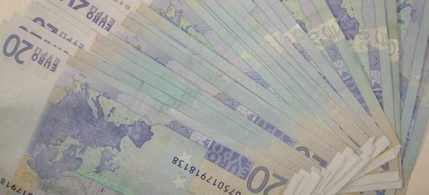 Exigen un salario mínimo de más de 1.000 euros en Barcelona, 400 euros menos de lo que necesita una familia de tres